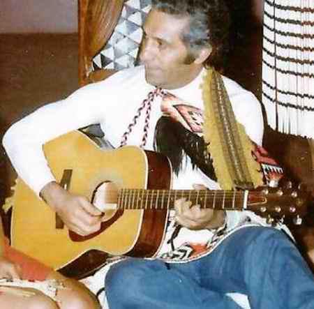 gew دانلود آهنگ تو از قبیله لیلی من از قبیله مجنون تو از سپیده و نوری
