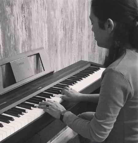 xcv دانلود آهنگ من از چیزی نمیرنجم اگرچه قلبم آشوبه